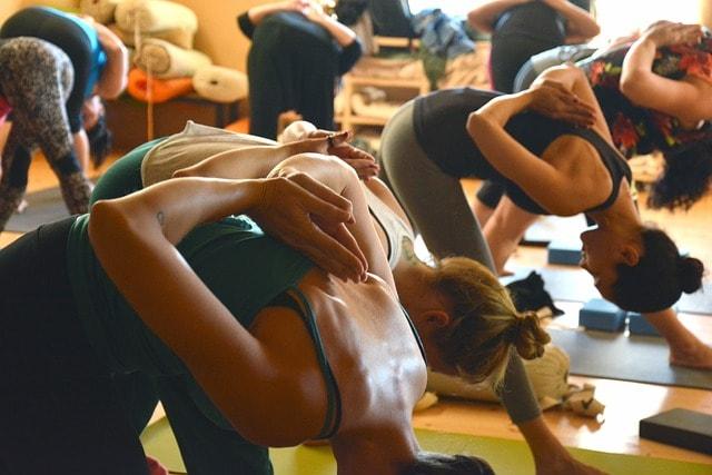 Een yogagroepje starten, wat heb je daarvoor nodig?